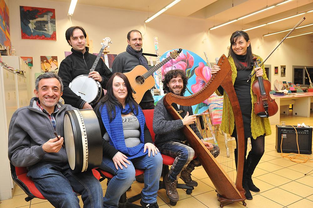 Lodi , gennaio 2014  gruppo musica folk Lodiners , provano nei l